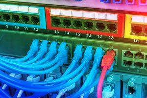 Vabilo na popoldansko delavnico o internetu stvari za operaterje