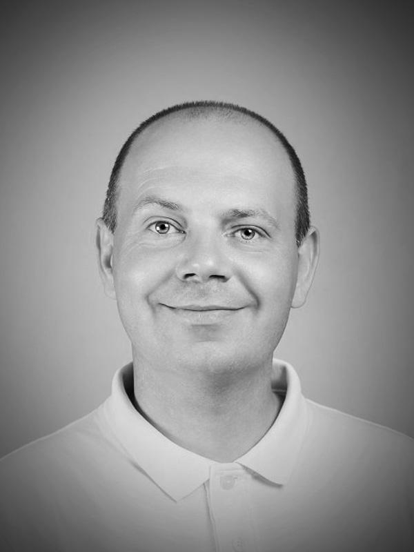 dr. Andrej Štern