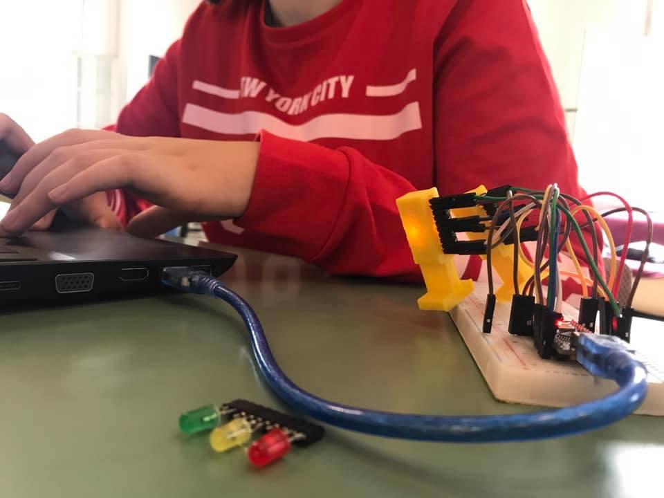 Digitalna vzgoja za dekleta in fante